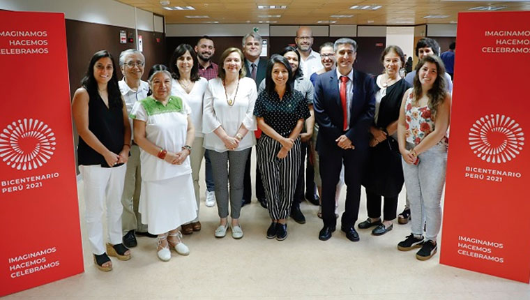 Grupo académico del Consejo Consultivo se reúne por la colección de libros del Bicentenario