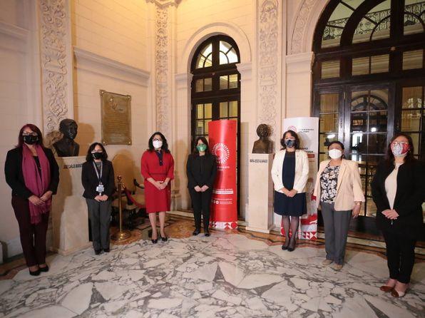 Premier Violeta Bermúdez destaca el rol que las mujeres cumplen en el fortalecimiento de la democracia